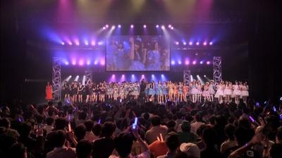 AKB48 Team 8、PASSPO☆ら全員で「ヘビーローテーション」