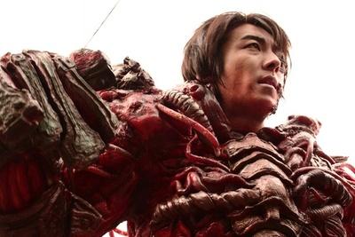 高橋一生の映画初主演作がBD化!伝説のスプラッター作品復活