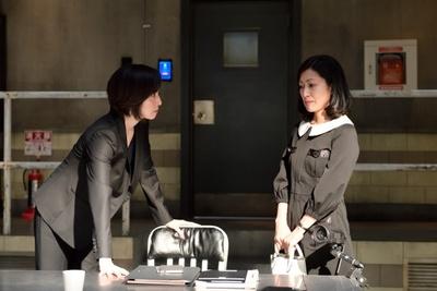 天海祐希とおじさまたちの隠し動画がSNSで話題に! キントリメンバーがドミノで大はしゃぎ!?