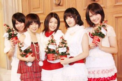 川島海荷らによる美少女ユニット9nine(ナイン)は女性版SMAPが目標!