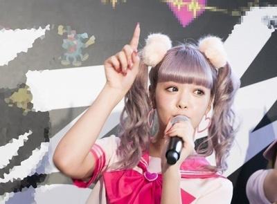 藤田ニコル、フレッシュな黒ビキニショットに「スタイル良過ぎ!」