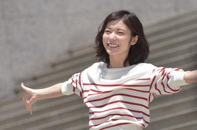 錦戸亮「幸せに見える夫婦でいたい」、松岡茉優「かわいらしい夫婦に」。錦戸亮と松岡茉優が初共演!