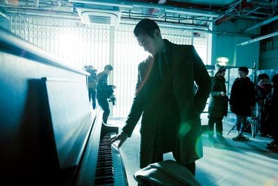 ディーン・フジオカの華麗なるピアノ演奏シーンが解禁!
