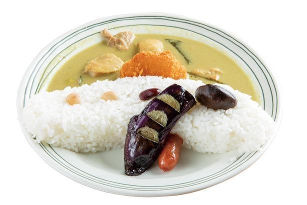 タイ風の味で辛めのルーがポイントの「ダムカレー」(850円) / 道の駅 豊根 グリーンポート宮嶋