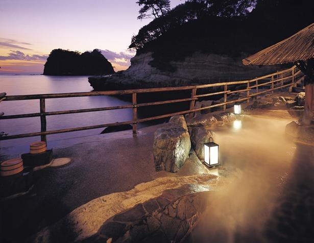 海を眺めながら疲れを癒す、絶景露天風呂 / 海辺のかくれ湯 清流