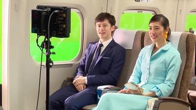 編集長役の天海祐希さんと部下役のウエンツ瑛士さんという設定で撮影が行われた