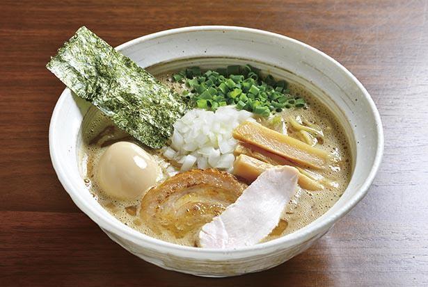 芳醇な鶏白湯ラーメンは「むじゃき」の代名詞