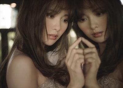 白石麻衣 2nd写真集「パスポート」 注目ショット  7/20