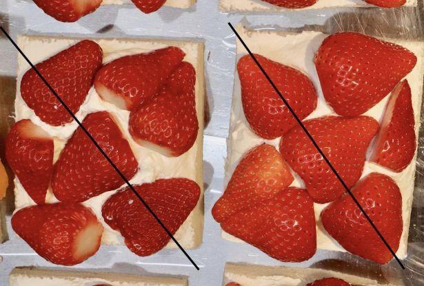 イチゴの並べ方は、丸丸丸タイプ(写真左)と三角丸三角タイプ(写真右)を紹介