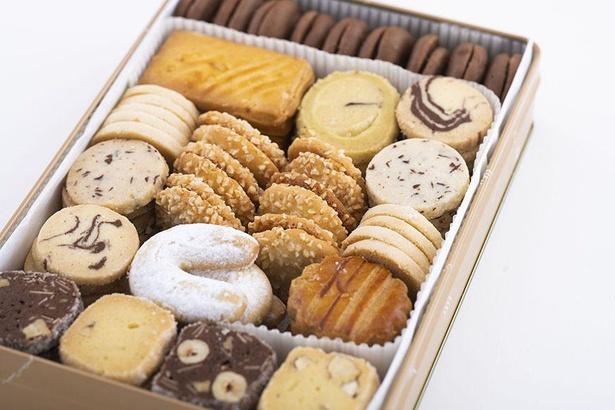クッキー缶 大は、正統派ソフトクッキーの詰め合わせ