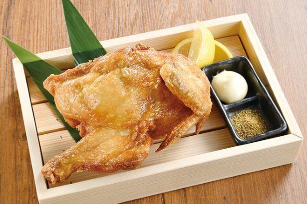白木屋の「若鶏の半身揚げ」。店の味で家飲みが楽しめる