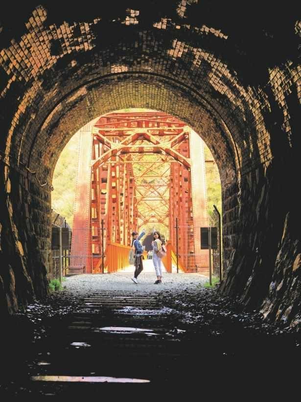 JR生瀬駅側から3つ目のトンネルとなる横溝尾トンネル。約150メートルのトンネルの先には第二武庫川橋梁が
