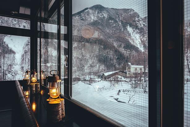 古くから層雲峡で営まれ廃業した温泉旅館「ホテル雲井」をリノベーションして誕生したホテル