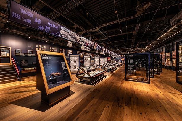 「クルマ文化資料室」では、自動車が生まれた18世紀中ごろから現代に至るまでの歴史を紹介