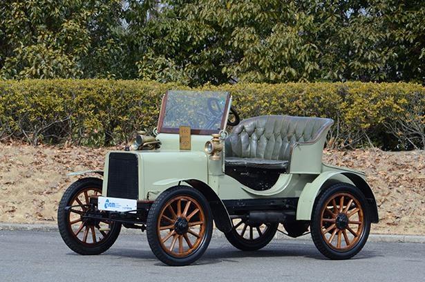 ローバー社初のガソリン自動車「ローバー8HP」のスモールバージョンとして発表された「ローバー6HP」