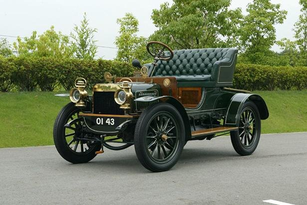 1905年にイギリスで製造されたクラシックカーの「スイフト 9HP」