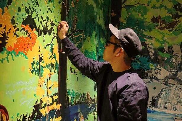 2013年「アートアワードトーキョー丸の内2013」三菱地所賞などを受賞した、新進気鋭のアーティスト・平川恒太がアートを担当