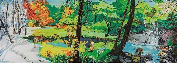 こちらはジムの壁画。色彩豊かに日本の四季を表現している