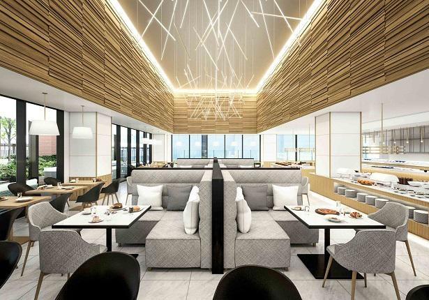 広々としたレストラン内には、窓から自然光が差し込む