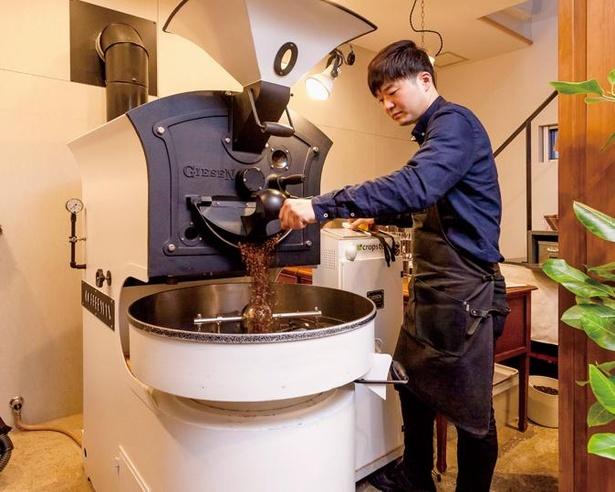 【写真】白色が目をひくギーセン社の焙煎機