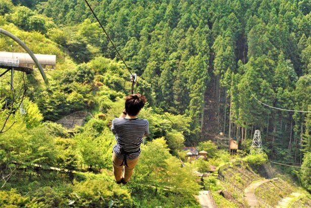 【写真】360メートル越えのロングジップで美しい景色を堪能!