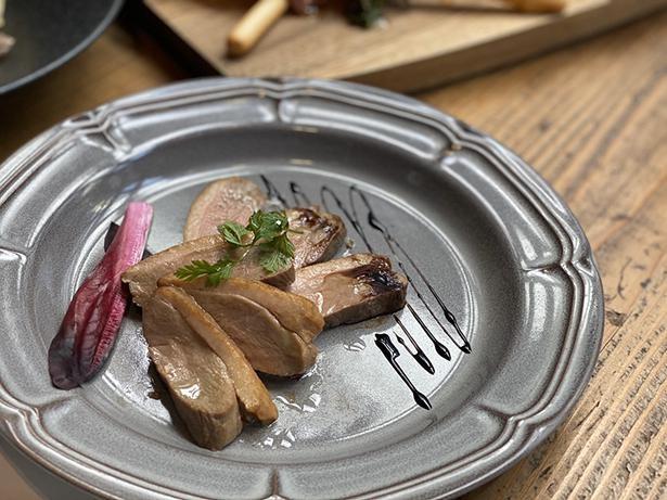 メインディッシュは、真鯛・鴨ロース・国産牛からチョイス