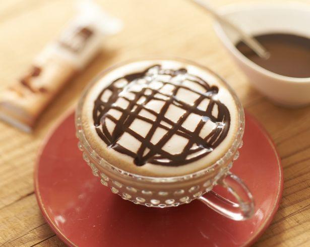 【写真を見る】チョコをひとかけら入れたらよりリッチに!「チョコレート マキアート」
