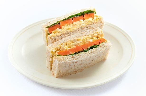 """【写真】""""インスタ映え""""必至!作って、見て、食べて楽しい「サラダサンド」が続々"""