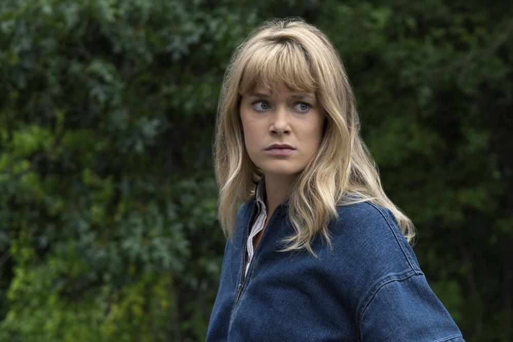 アリーの姉でしっかり者のカサンドラは、テレビドラマ「レギオン」への出演で知られるレイチェル・ケラーが演じる