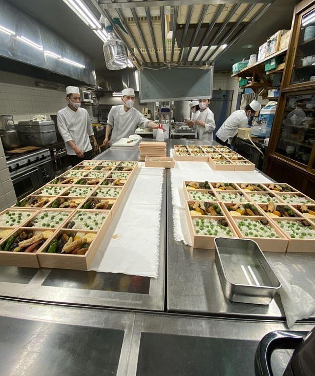 アメリカン・エキスプレスはレストランとの協働によりお弁当1万5000食を医療従事者らに届ける