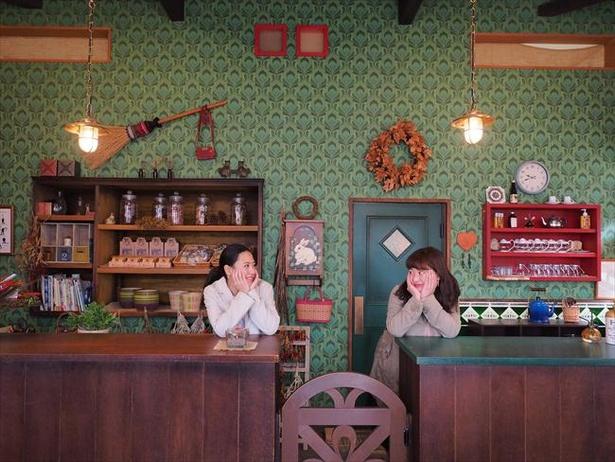 雑貨コリコの内装は映画『魔女の宅急便』のロケセットをそのまま使用