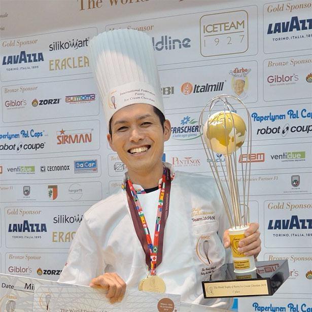 スイーツの世界大会で優勝した瀧島シェフをはじめ有名パティシエ達がレシピを監修