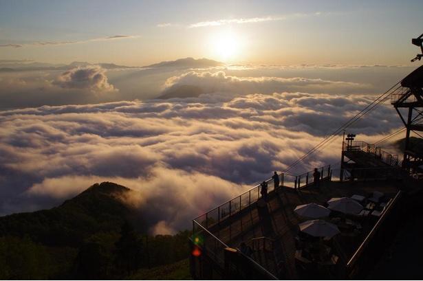 幻想的な景色で非日常感を味わうことができる「SORA terrace」