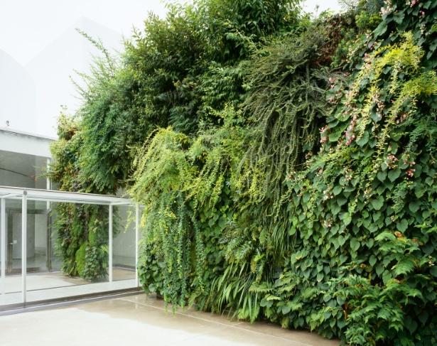 パトリック・ブラン《緑の橋》2004 金沢21世紀美術館蔵
