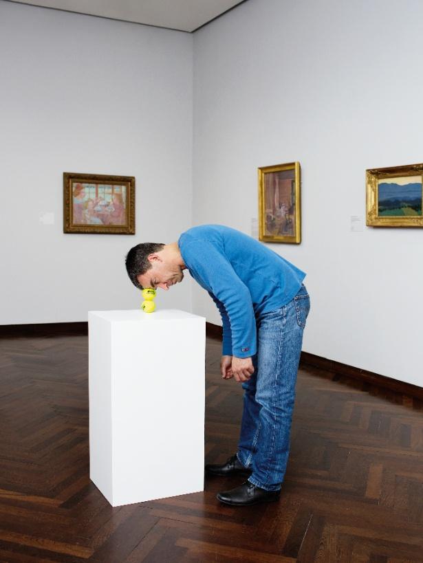エルヴィン・ブルム《1分間の彫刻》2014