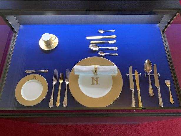 ナガサキ・ホテルで使用されたカトラリーセットが発見され、100年の時を超え旧リンガー住宅で展示されている