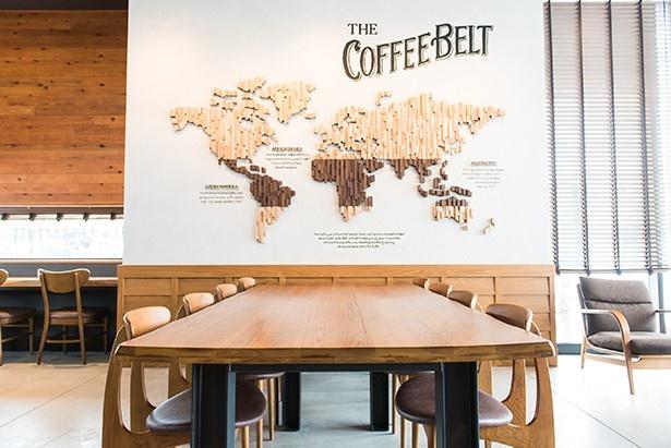 スターバックス コーヒーと木材の産地・飛騨高山をつなぐアートワーク
