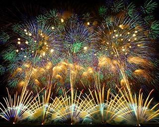 「日本三大花火大会」とは?日本最大規模の超大型花火大会をチェック