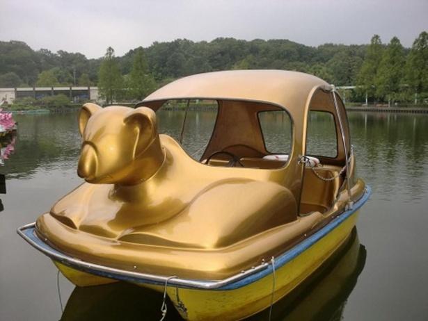 縁起のよさそうな金色コアラボート「きらら」