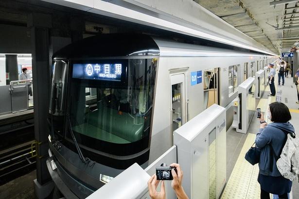 2020年6月6日に開業した東京メトロ日比谷線「虎ノ門ヒルズ駅」の様子