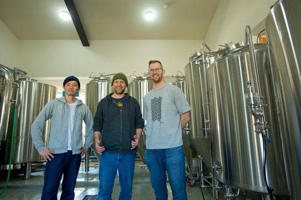 3人のブルワーが、日々新しいビールを生み出している/NOMCRAFT