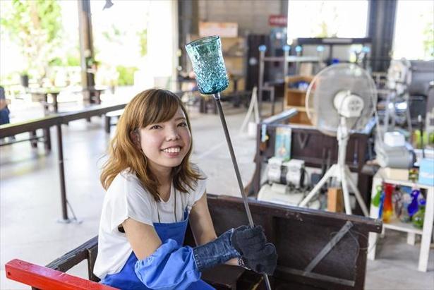 琉球ガラス王国工房でガラス作りを体験