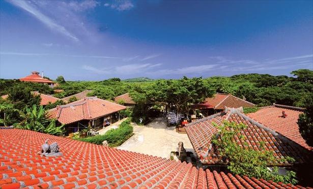 沖縄の古民家を移築した琉球王国城下町
