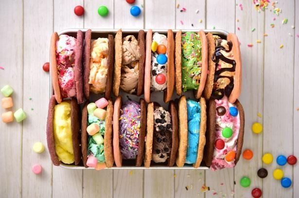 【写真】カラフルで見た目も楽しいサンドアイスは100万通り以上の組み合わせから選べる!