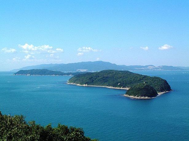 日本標準時子午線上日本最南端の島。加太港からフェリーで20分