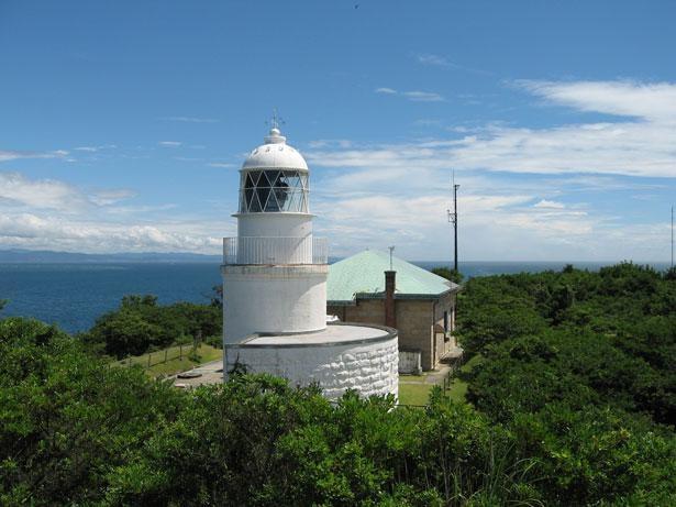 一般公開日には記念証がもらえ、海上保安庁の制服を着ての記念撮影もできる/友ヶ島灯台