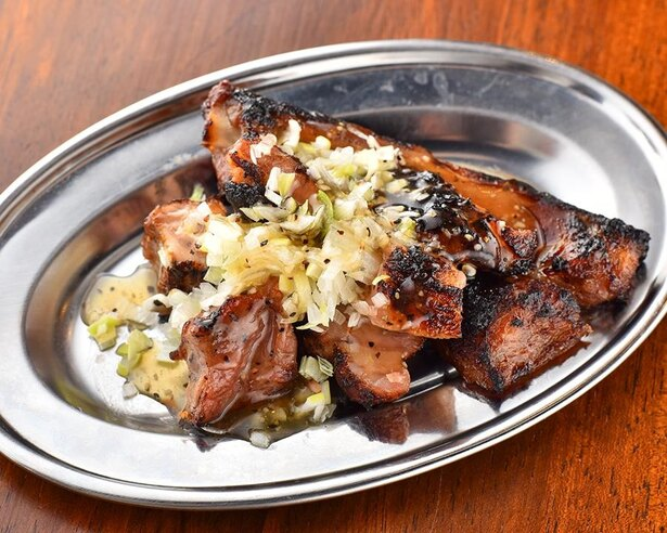 豚肉をメインとした料理がおいしい大衆酒場 / 豚のいろ葉