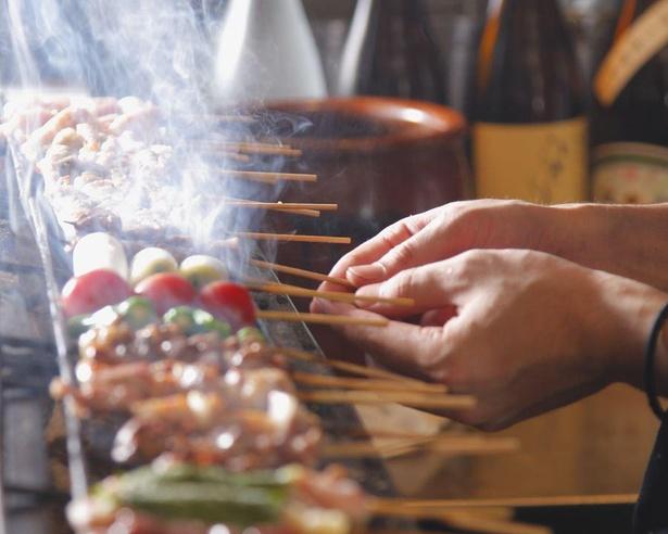 一つ一つじっくり焼かれる熟成肉の焼き鳥が絶品 / 焼鳥 しろう