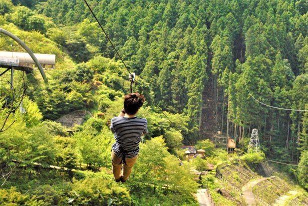 360メートル越えのロングジップで美しい景色を堪能!
