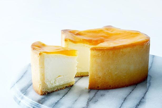 フランス産チーズ「ブリー・ド・モー」を使った生地と自家製のアプリコットジャムの相性が抜群